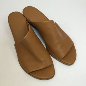 Vince Duvall Wedge Sandal - size 10